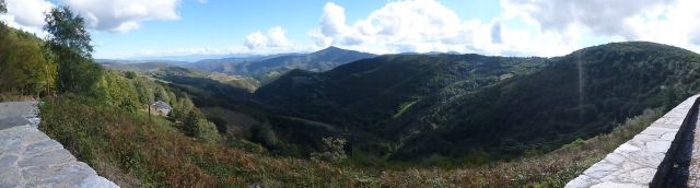 The view off to the left of my path to O'Cebreiro . . . the valley I've come from
