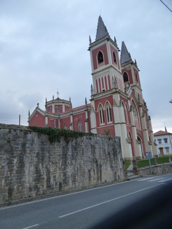 Red Church looming above most of Cóbreces