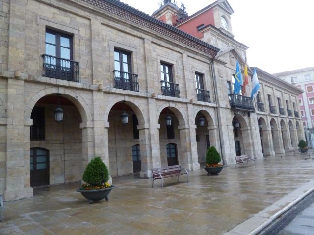 The historic government building in the Plaza de España