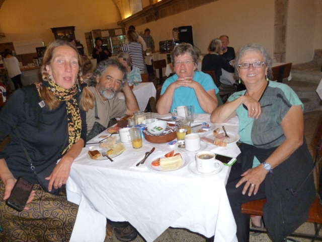 Laurie, Salvadore, Ria and me . . . breakfast at Seminario Mayor San Martin Pinario